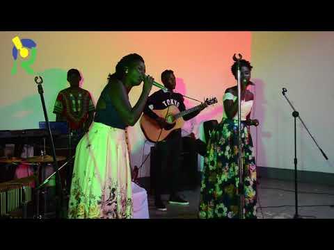 KIGALI: Ange na Pamela bimpanga bashimishije abitabiriye igitaramo cya Gakondo Acoustic Gala