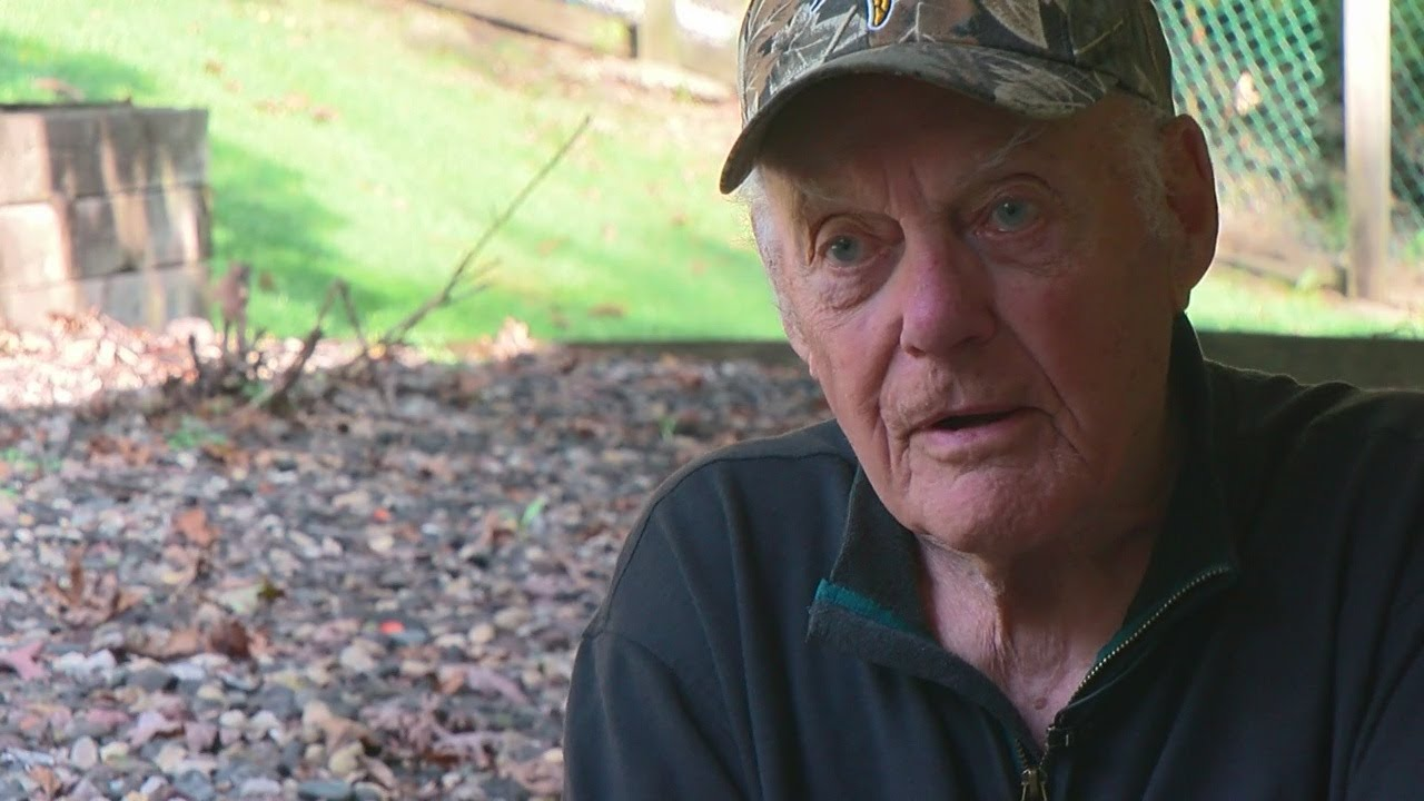 Mike Max Goes 1-On-1 With Bud Grant
