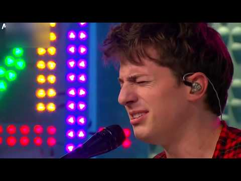 Charlie Puth - How Long [Acoustic Live Performance]