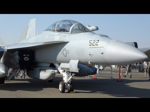 F/A-18 Super Hornet Fast Pass .. California Capital Airshow 2017 (4K)