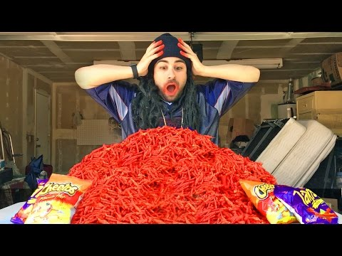 FLAMIN HOT CHEETOS & TAKIS CHALLENGE !