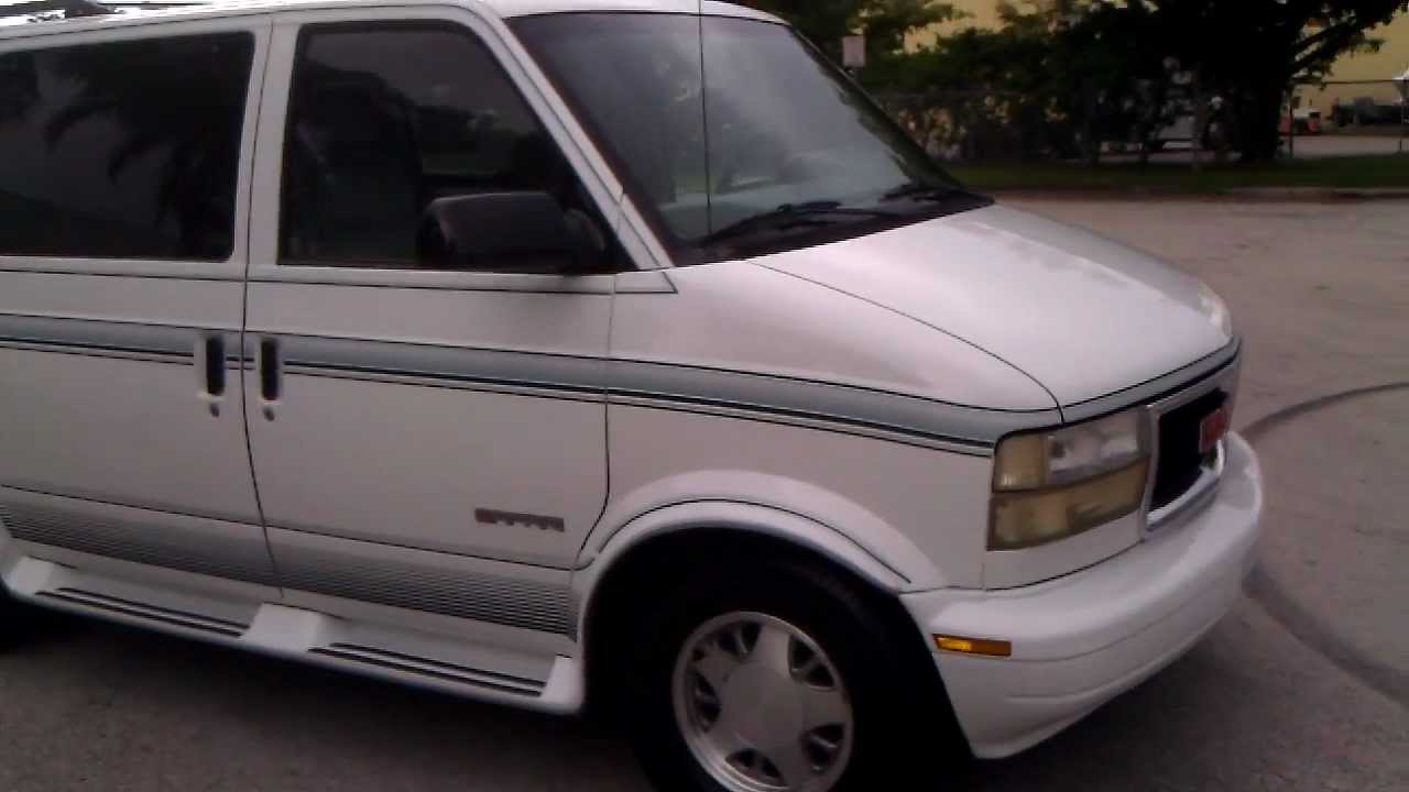 automobiles interior family lane and with this condition both s safari in good the all sle very gentry ext sold great van gmc purpose is a exterior are