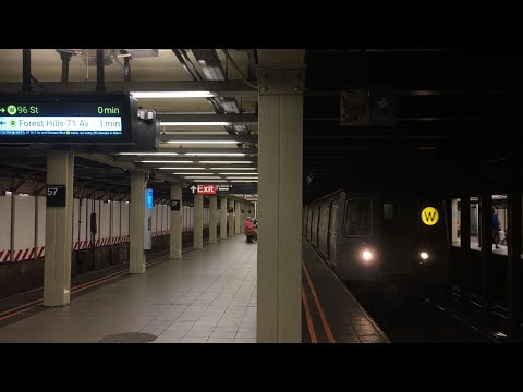BMT Broadway Line: (N), (Q), (R) and (W) Train action @ 57th Street with new Countdown Clocks