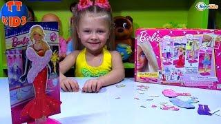 Кукла Барби. Ярослава открывает набор игрушек. Одежда и аксессуары для Барби. Видео для девочек