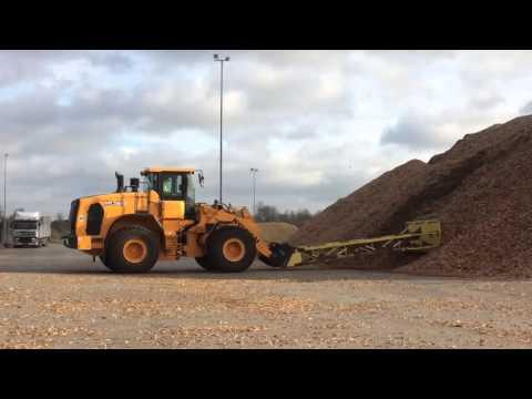 Video Kolové kloubové nakladače Hyundai HL960