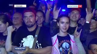 «Ночные волки» показали в Севастополе шоу «Русский реактор»