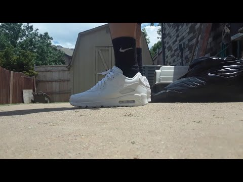 2d2acf486288c Air max 90 on foot all white leather with Nike socks - YouTube