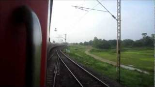 Bhubaneshwar Rajdhani Express Negotiates a Sharp Curve at 125-130 kmph and Speeds Towards Parasnath