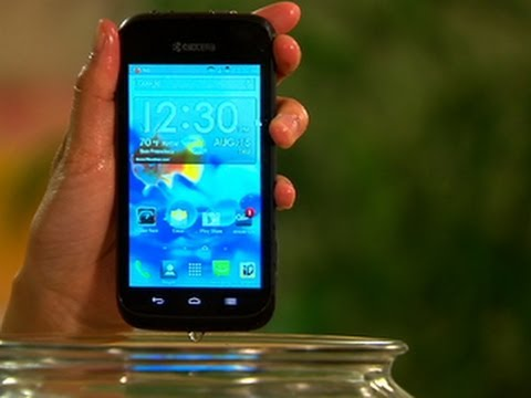 Take a dip with the 3G Kyocera Hydro Edge