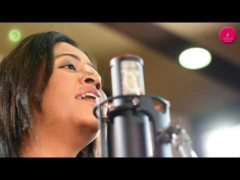 Kuch Toh Log Kahenge (Unplugged )| Singer - Rakhi Dutta.
