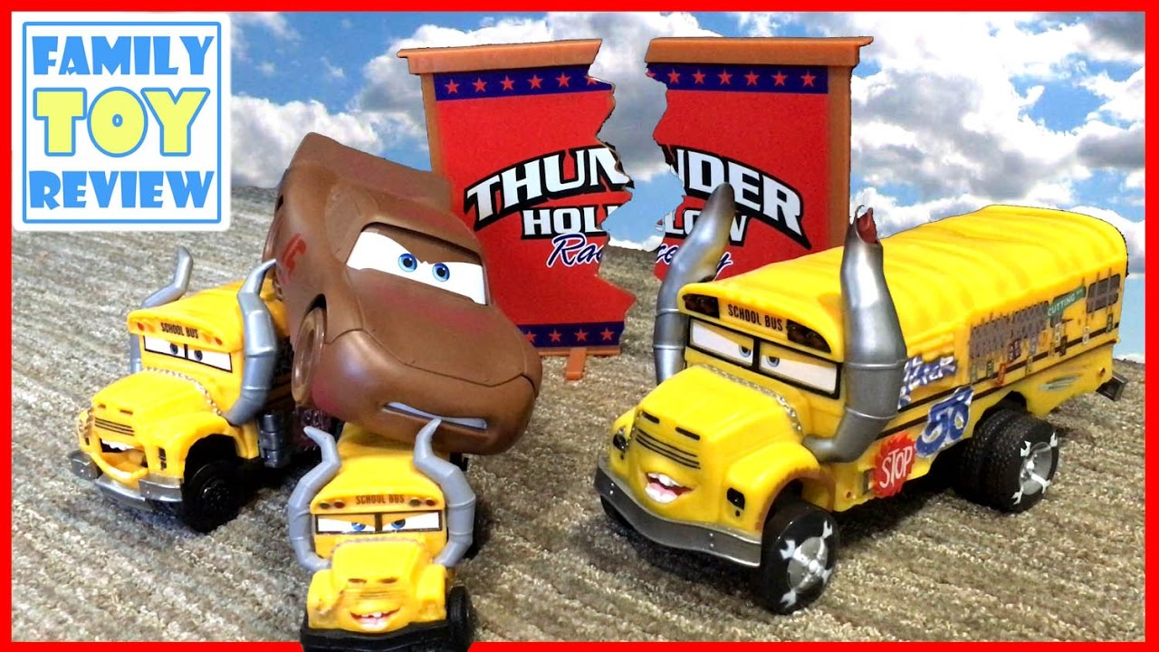 Disney cars 3 toys demo derby thunder hollow toy story lightning mcqueen crashes miss - Coloriage cars 3 thunder hollow ...