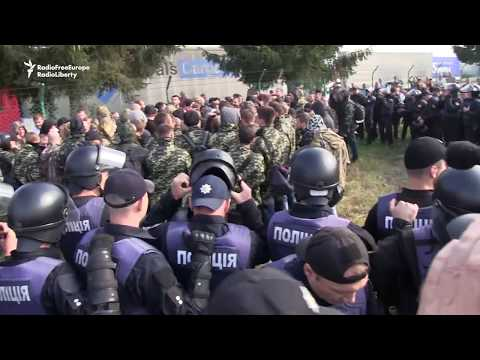 Dozens Arrested in Protest as Poroshenko Critic Blocked From Returning to Ukraine