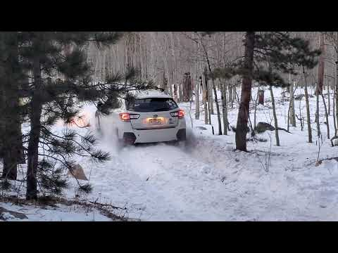 Subaru Crosstrek Offroad in deep snow