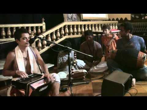 Bhajan - The Mayapuris - Hare Krishna - 4/4