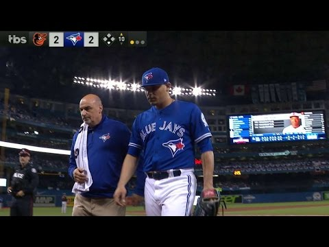 AL WC: Osuna shaken up with injury, exits game