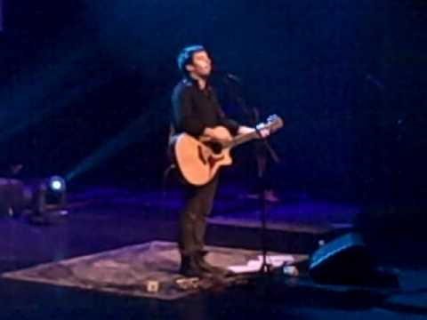 Phil Wickham- How Great Thou Art (Acoustic) - YouTube