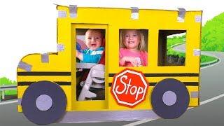 Las ruedas del autobús | Canción Infantil | Canciones Infantiles con Katya y Dima