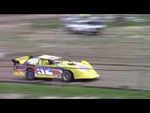 Hummingbird Speedway (5-20-17): Swanson Heavy Duty Truck Repair Semi-Late Model Heat Race #2