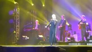 """Ina Müller - """"Zalando""""  live 05.02.2017 Kiel Sparkassenarena"""