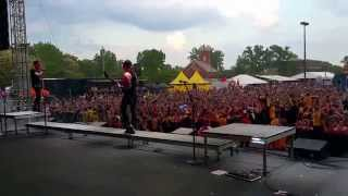 Falling in Reverse - I'm Not a Vampire - Rock on the Range 2015