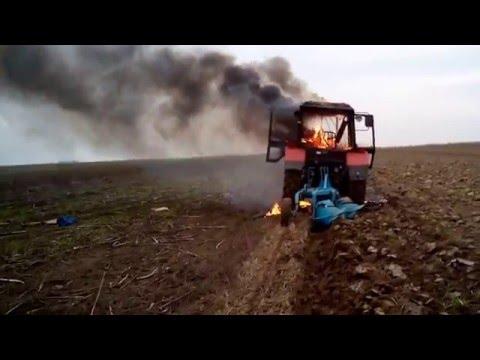 Traktor Belarus u plamenu