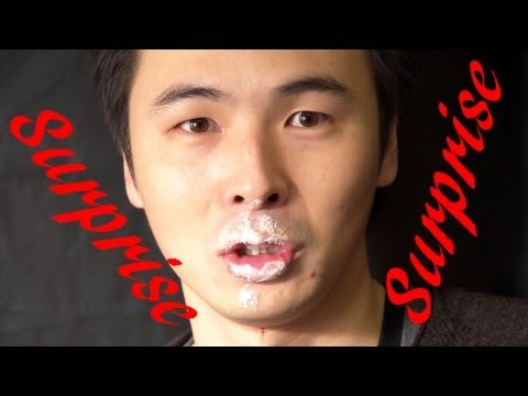 アツアツマシュマロを口に放り込む | Super Hot Marshmallow Catch in Mouth