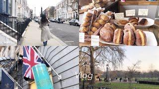 Vlog 런던 브이로그 초급맛. 동네 카페에서 커피 마…