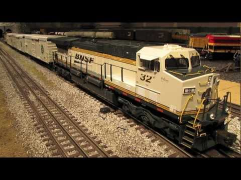 Model Railroad Toy Train Scenery -Remarkable Lionel BNSF Ice Cold Express O-Scale Train Set