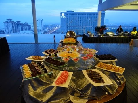 Straits Hotel & Suites Melaka Rooftop Buffet
