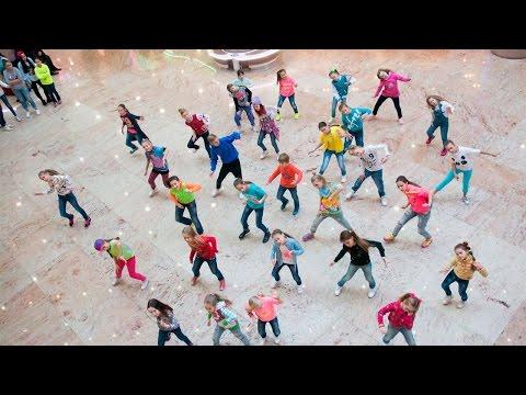 Видео: Флешмоб. Слет Академии Игоря Крутого Путь к успеху