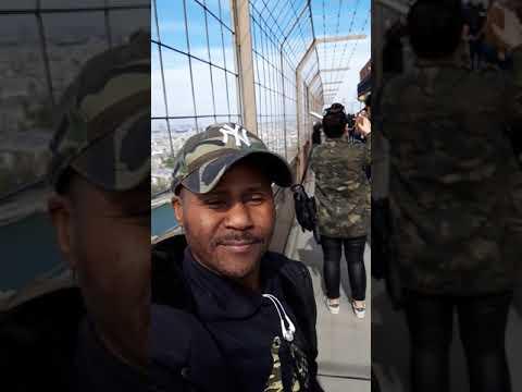 Balade au tour Eiffel  Anderson JAOJOBY (vue du haut)