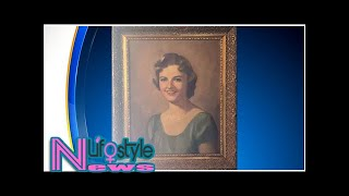 Woman Discovers Stolen Painting Of Her Mother Hanging In Dallas Bar