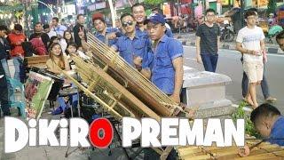 Video AKU DIKIRO PREMAN - Angklung Malioboro Rajawali (Pengamen Jogja) Ikut Goyang Dangdut Koplo Dulu Gan download MP3, 3GP, MP4, WEBM, AVI, FLV Agustus 2017