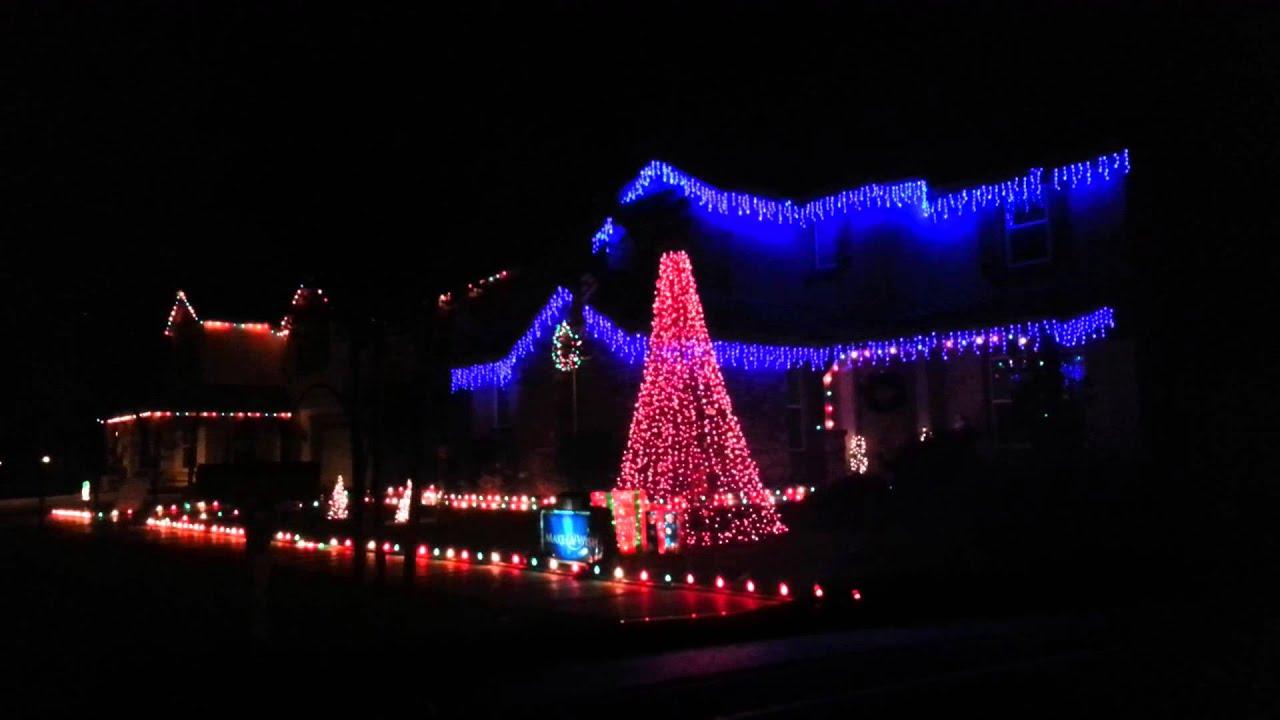 Annual Gilbert Christmas Lights on Comstock Drive - YouTube