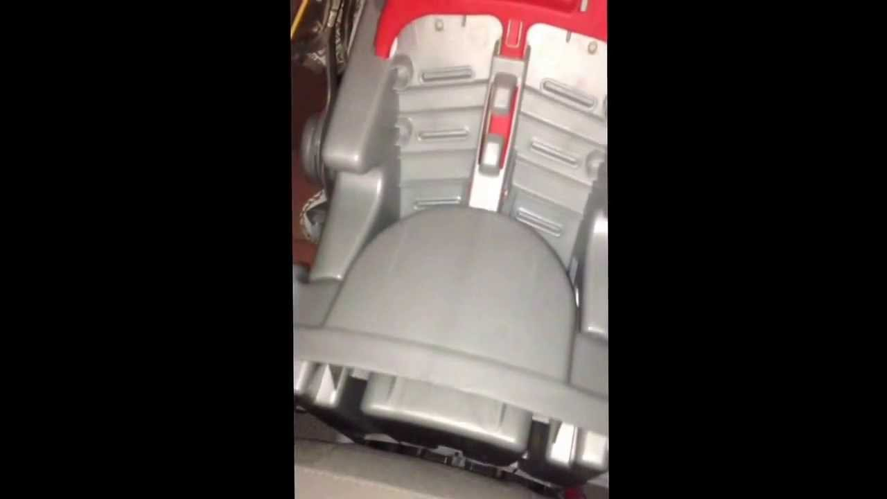 graco snug ride 30 car seat gets stuck in base problem increases as it gets colder outside. Black Bedroom Furniture Sets. Home Design Ideas