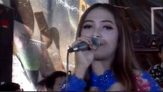 Adek Berjilbab Biru Cover Putri Kristya KMB MUSIC live Celep