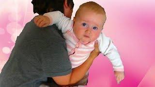 Julian fait la Nanny et le  Baby sitting avec sa SOEUR MELISSA thumbnail