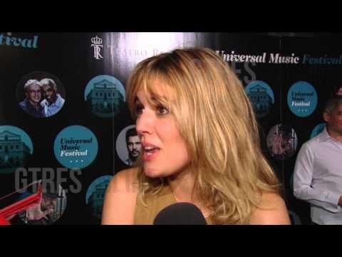 Adriana Ugarte baila a ritmo de Caetano Veloso con Pedro Almodovar
