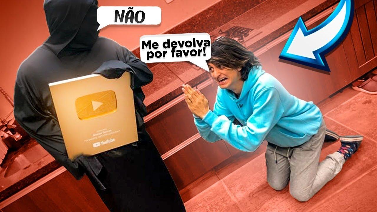 O ENCAPUZADO ROUBOU MINHAS PLACAS DO YOUTUBE E SUMIU!!