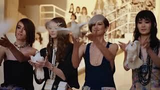 Chanel Cruise 2021/2022 Неделя моды Шанель Показ мод Без рекламы Красивые модели Модель на подиуме
