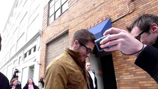 Jake Gyllenhaal promoting Source Code signing autographs in person