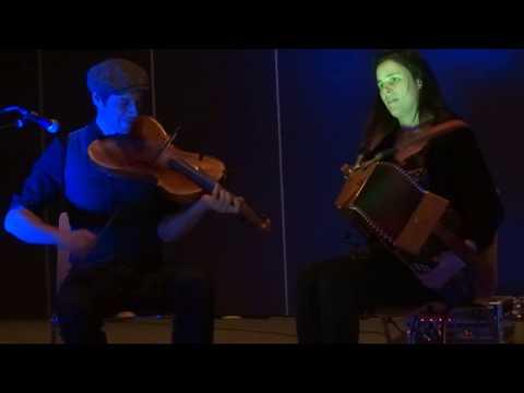 Duo Montanaro Cavez - An dro (Coinsins)