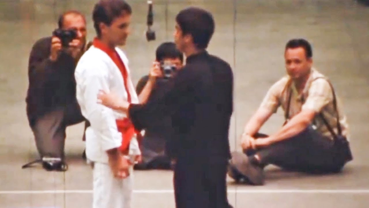 Joe Lewis Tries To Teach Bruce Lee Karate........ Then This Happened