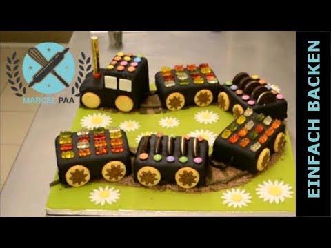 KindertorteLokomotive mit Rollfondant zum
