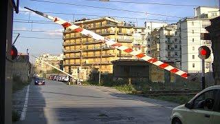 Spoorwegovergang Castellammare di Stabia (I) // Railroad crossing // Passaggio a livello