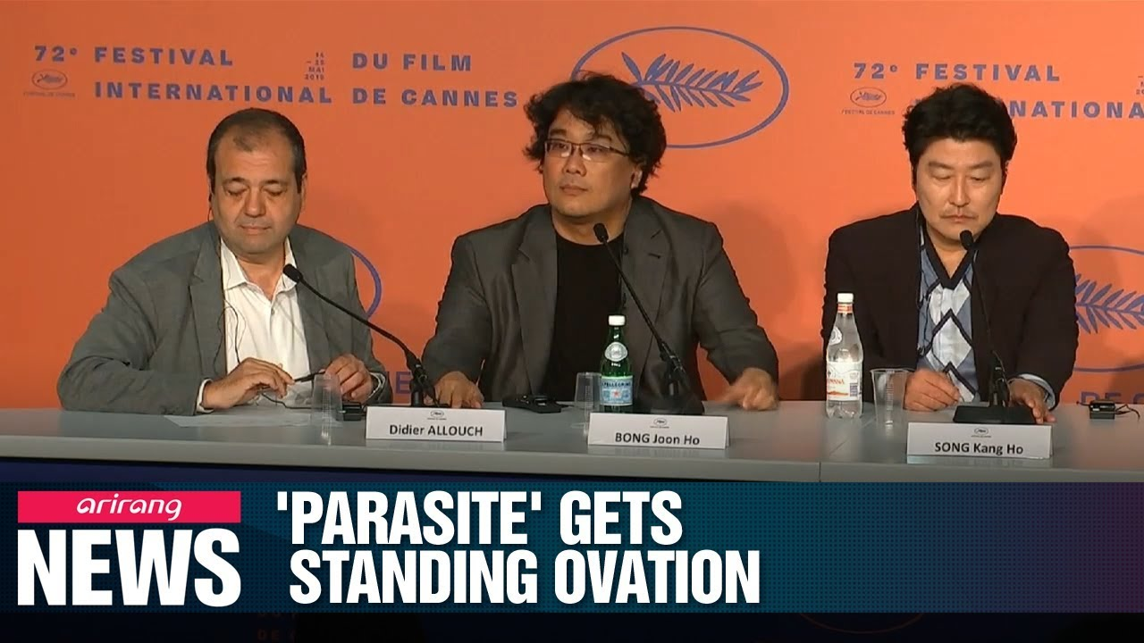 Bong Joon Ho S Parasite Receives 8 Minute Standing Ovation At Cannes