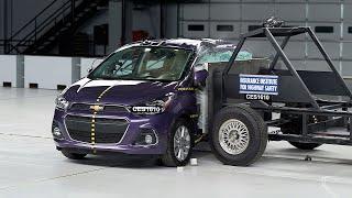 2016 Chevrolet Spark side IIHS crash test