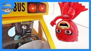 PJ Masks drives school bus. Rescue the school bus from Romeo and Night Ninja.