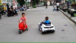 Bibabibo em Cò tập lái xe ô tô Gia Linh lái xe máy Vespa