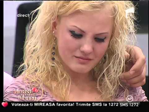 Corina cu ochii în lacrimi, după o discuţie cu Andrei